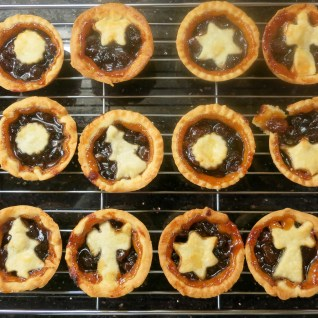 Hot mince pies