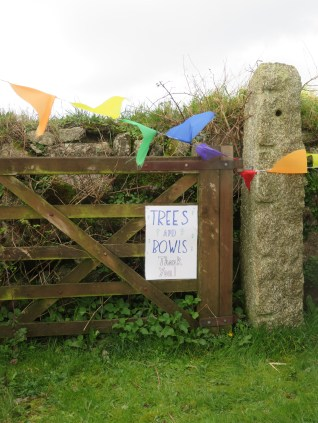 Another sign with bunting so that people know where to go