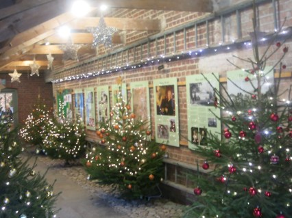 Christmas alleyway at Threlissick