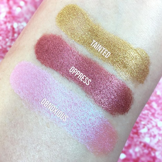 Furless Eyeshadow Pigment Swatches