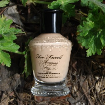 Too Faced – Amazing Face