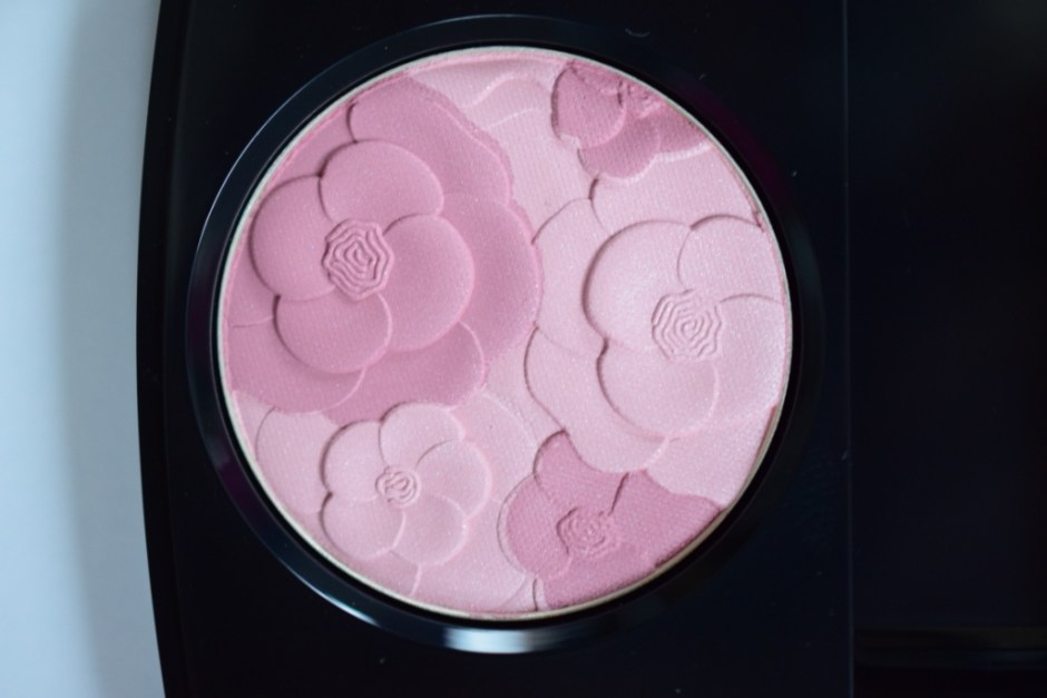 Chanel spring printemps 2015 blush camelia rose detail