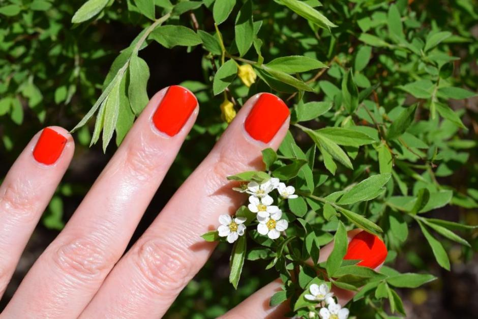 Chanel vernis Coquelicot 5 swatch