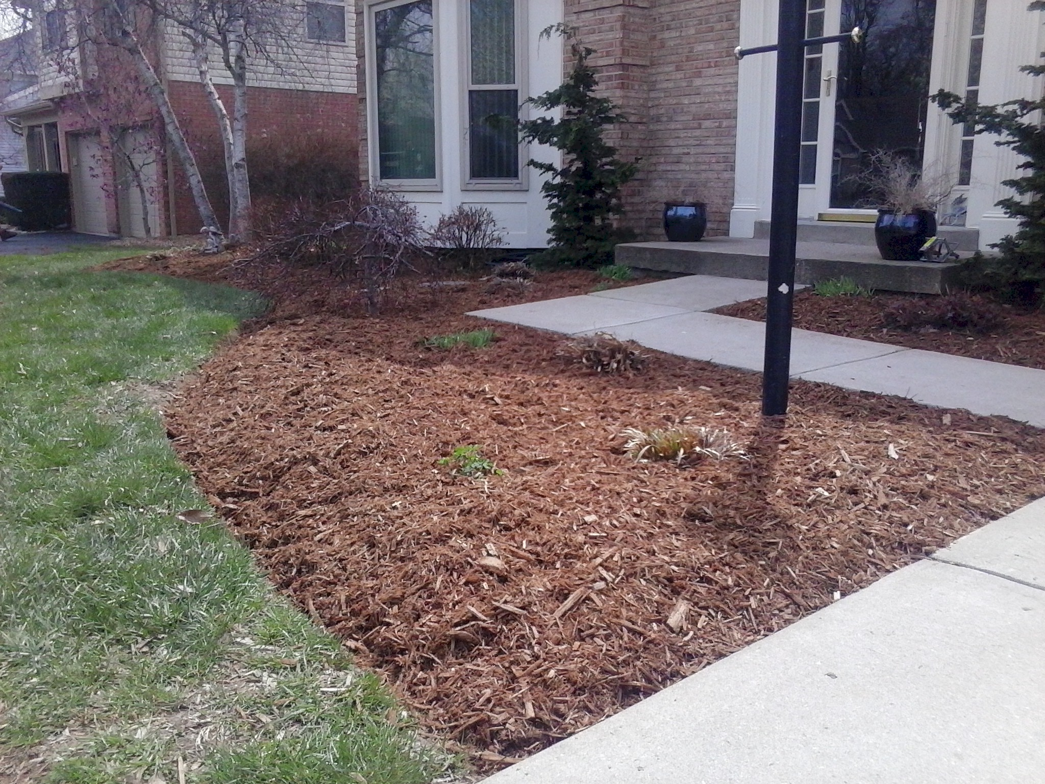 Photos cincinnati landscaping big c lawn landscaping for Lawn and landscape