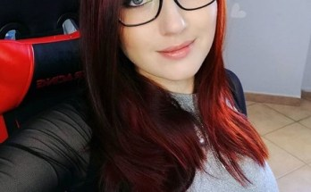 Pureruby87 in glasses