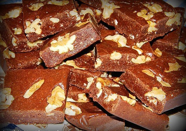 Ciocolata de casa cu nuca