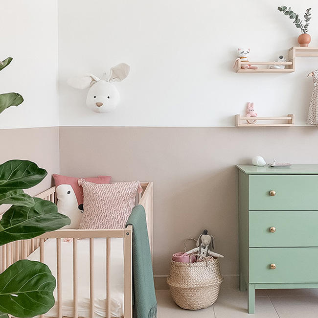 chambre de bebe fille en rose et vert