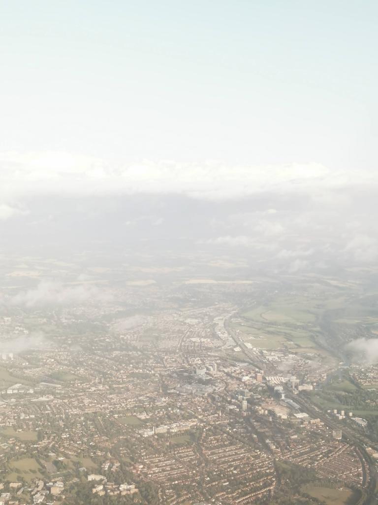 Virgin atlantic v462 approaches London