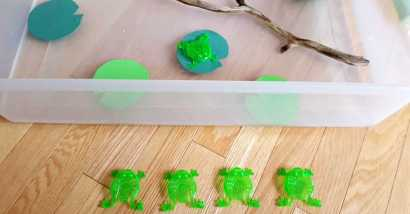 frogs on a log toddler water play