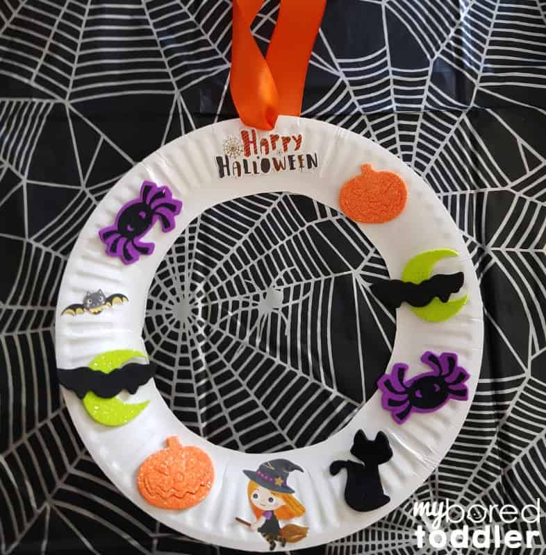 easy halloween sticker wreath for toddlers finished logo