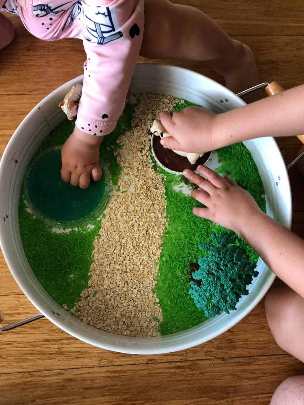 how to play with the farm sensory bin 3