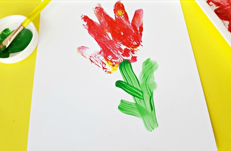 Making hand print flowers with toddlers
