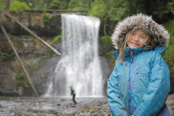 alaina posing in front of silver falls