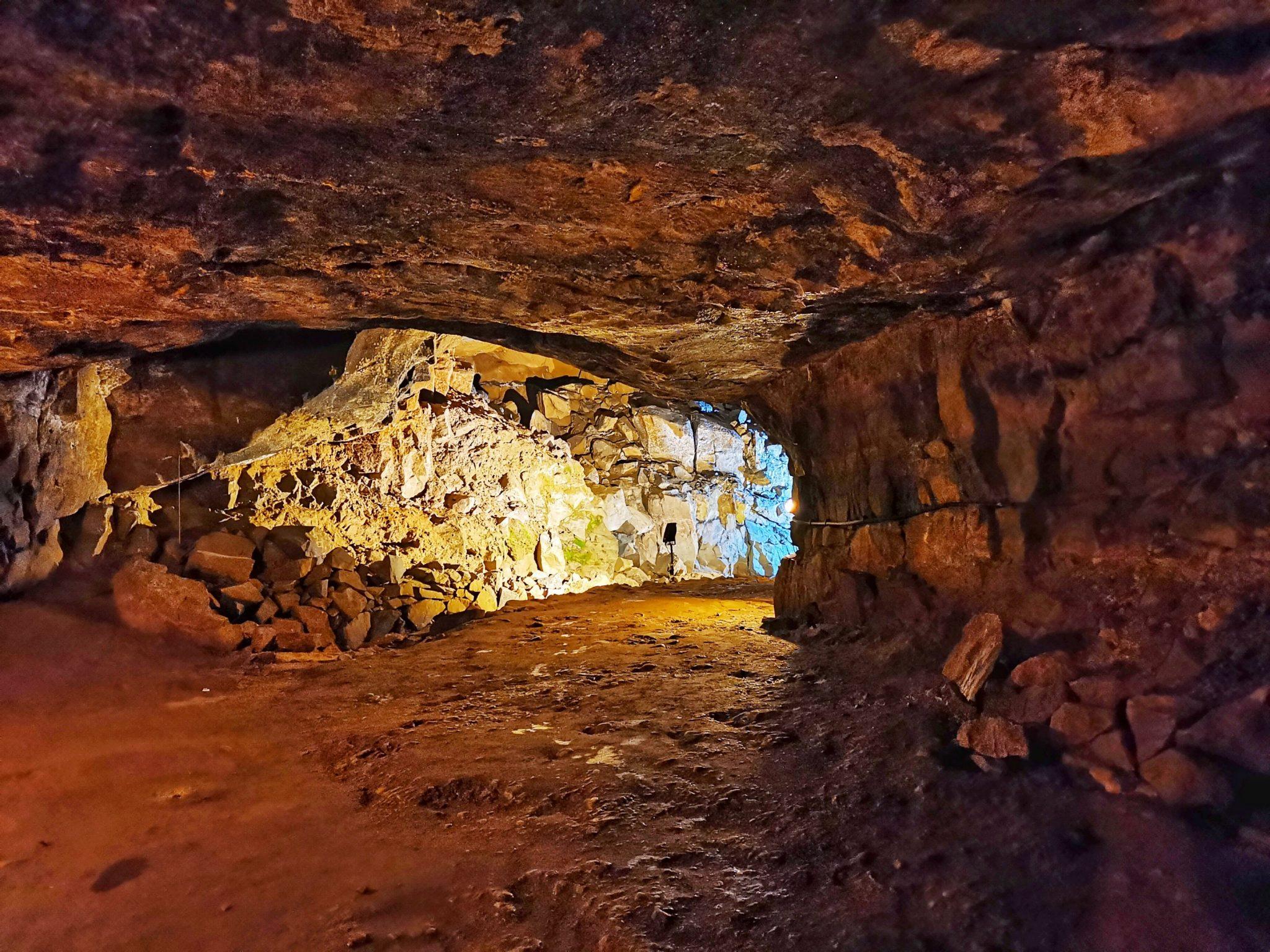 pierwsze kroki i jaskinia Peak Cavern