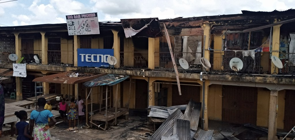 Fire Ravages 8 Stores in Akyem Oda 2