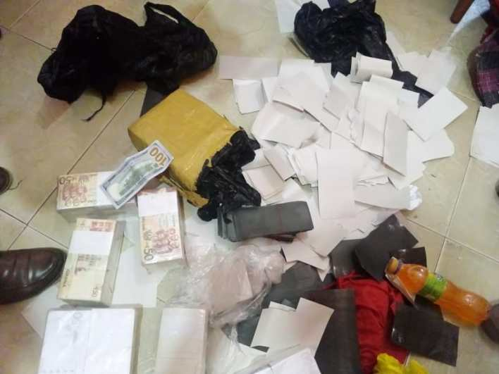 Fake Currency Kingpin Arrested By Kasoa Police With Bundles Of Fake Ghc50 Notes