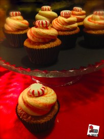 Candy Cane Peppermint Cupcake: http://wp.me/p2x5x0-Yi