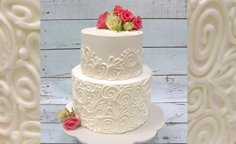 Pretty Piping Design (with Fresh Flowers) -Cake Video