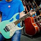 We buy used guitars 🎸