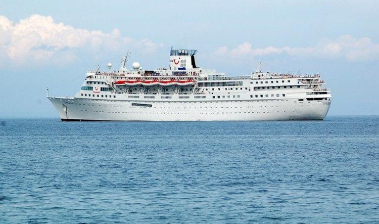 cruise ships philippines
