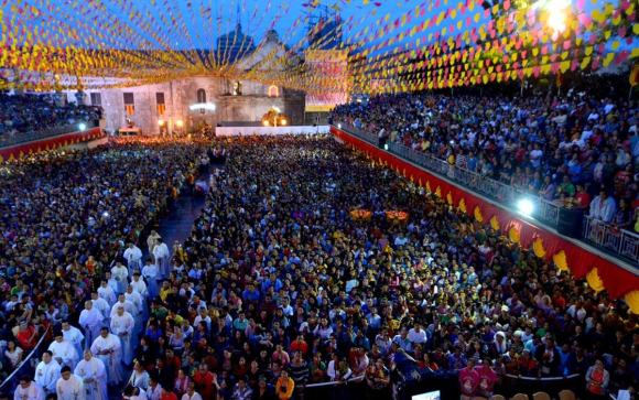 HUGE TURNOUT. Yesterday mornings Walk With Jesus and mass was attended by 57,000 devotees.