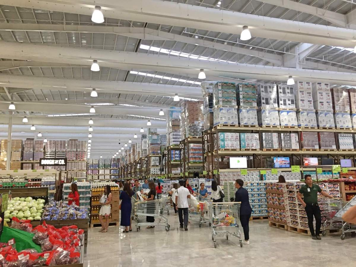 Landers Superstore opens in Cebu today