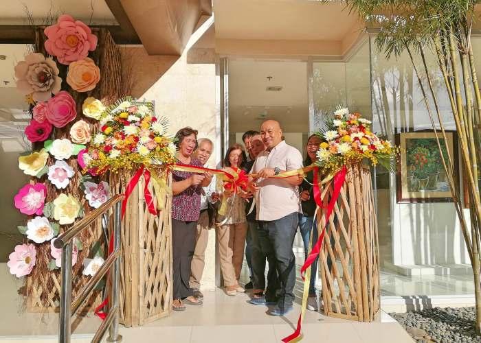 Bamboo Bay Community Flower Power Exhibit