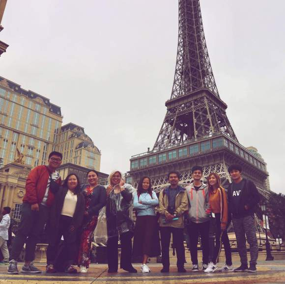 CEBxKlookTravels Team Macau. Our group of Cebu bloggers and writers in front of the replica of Eiffel Tower in the Parisian in Macau. (From left) Ryan Calle, Deneb Batucan, Sweet Veloso-Selma, Jude Bacalso, me, Max, Sven Macoy Schmid Lysa Amor Diaz -Ota, and Miong Pelimon.