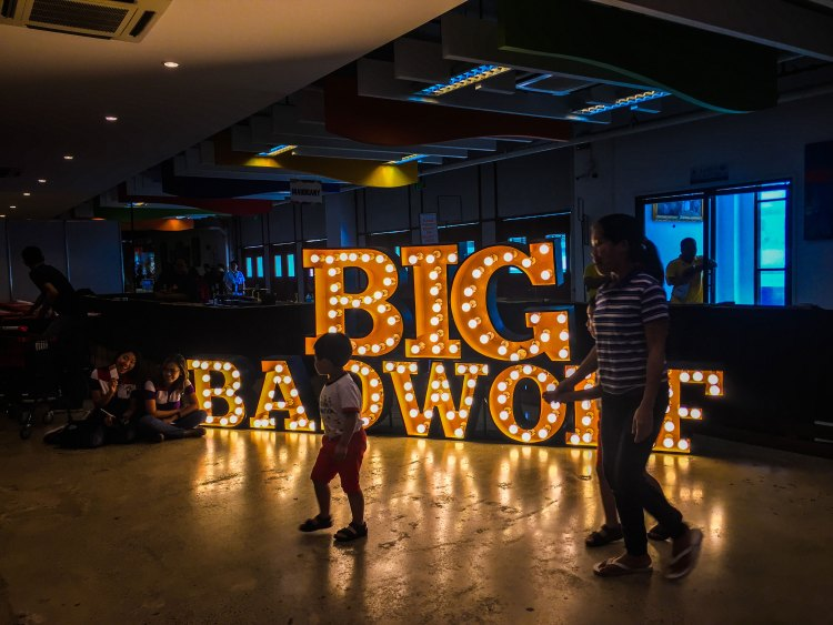 WORLD'S BIGGEST BOOK SALE. Book lovers and new readers will have time to search for their favorite titles and authors as the BBW Book Sale will be open 24 hours daily until Aug. 26, 2019 at the IEC Convention Center (IC3) in Cebu City.