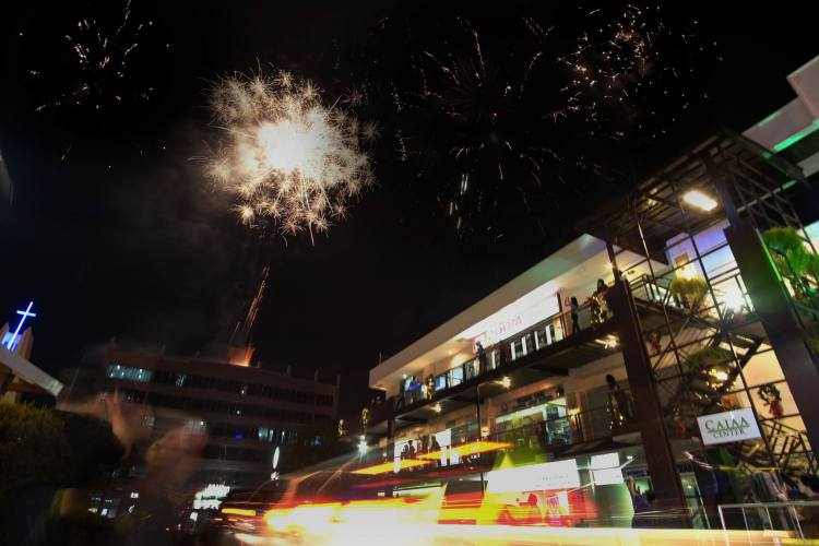 FIREWORKS light up Axis Entertainment Avenue to mark the start of the festive season.