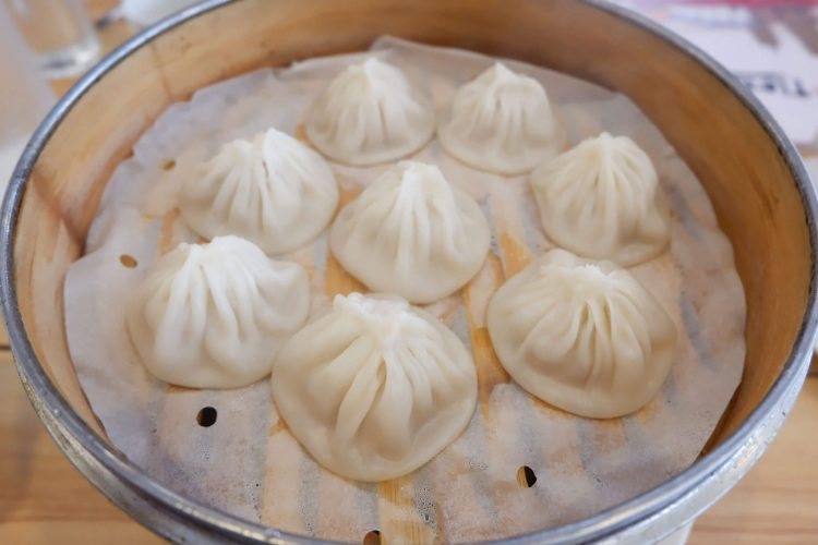 Tien Liyuan perfected her xiao long bao recipe while working in the kitchen of a local high school in Zhongshan District and later from selling her legendary dish in the Taipei night markets.