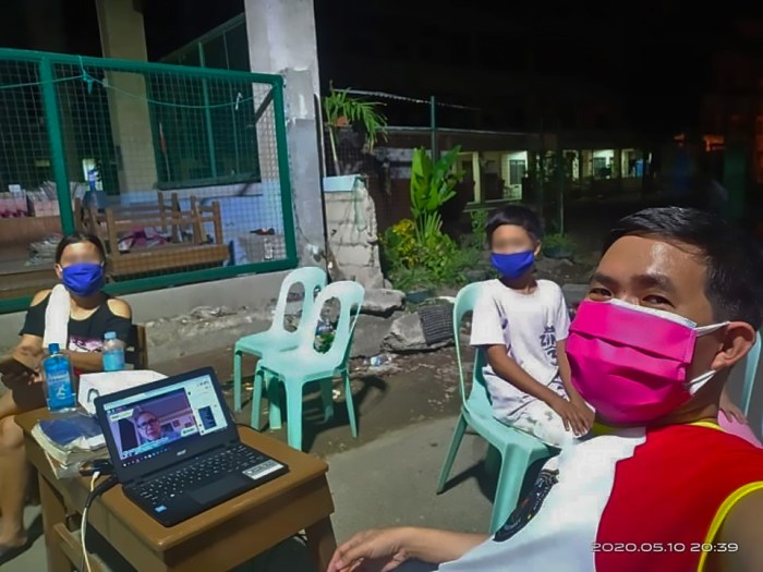 Educator Roy Genares held nightly viewing of Smart's e-storytelling sessions at their isolation center in Barangay Luz in Cebu City.