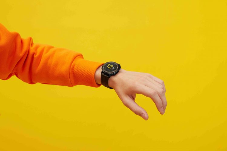 Get the realme Watch S as part of the bundke promo on Valentine's Day.
