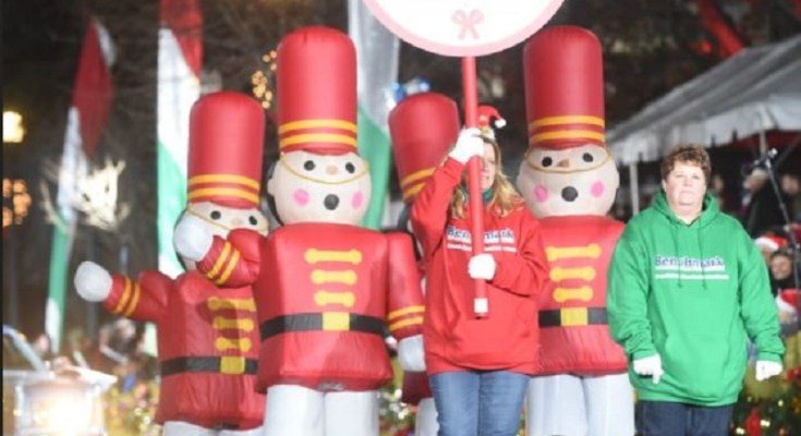 Benchmark Federal Credit Union Donates $1,000 Worth of Toys While Sponsoring Toyland Division at QVC West Chester Christmas Parade