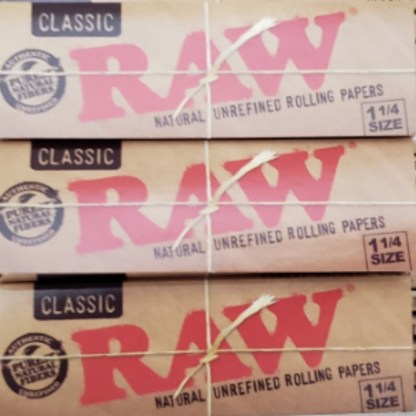 RAW Classic Rolling Papers 1/4