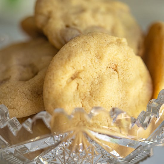 Caramel Pear with Almond Cookies