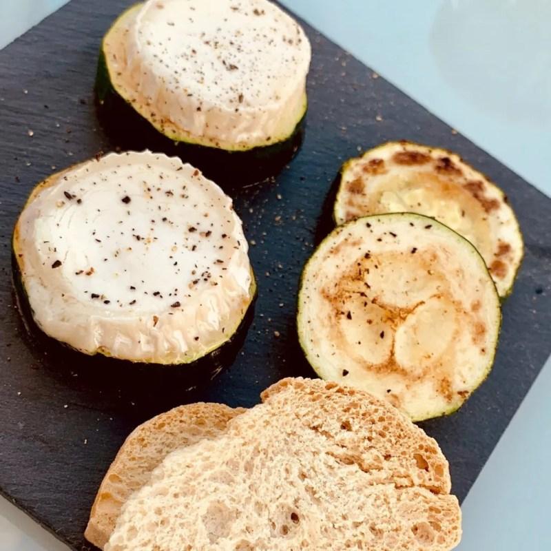 Calabacines con queso de cabra
