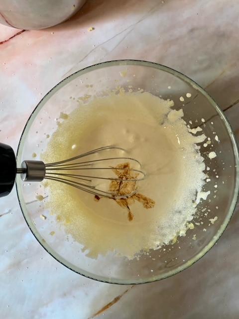 Añadimos la vainilla a la crema