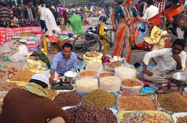 nuts-vendor