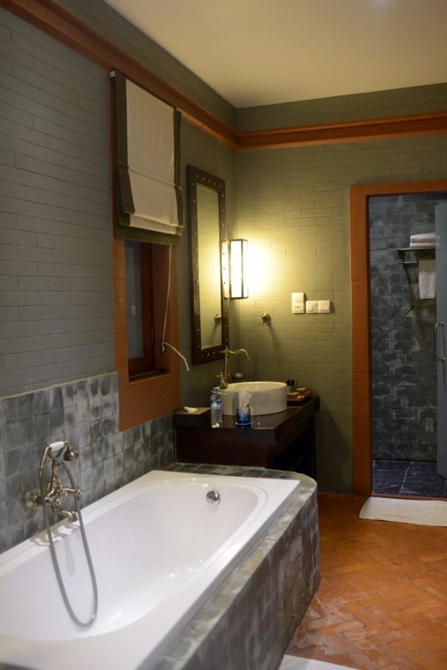 bagan-lodge-bathroom