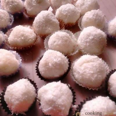 Homemade Raffaello balls