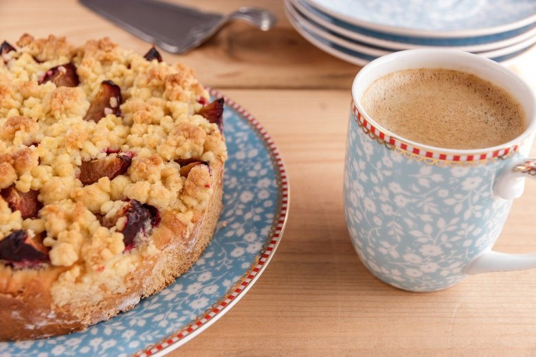 plum sponge cake mary berry