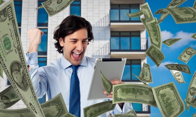 how do insurance companies make money