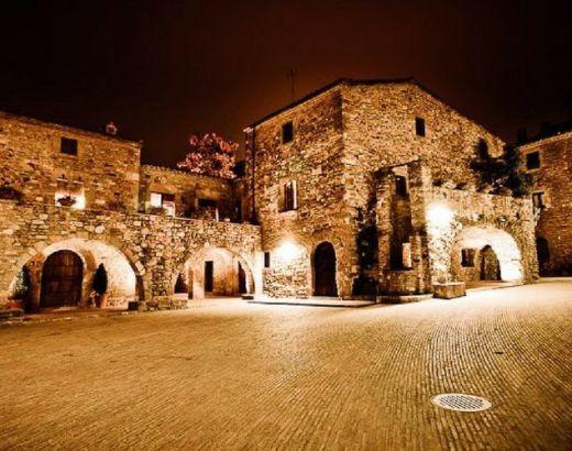 Monells, Cruïlles i Sant Sadurní de l'Heura
