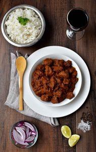 Cerdo Vindaloo, semillas, cerdo, carne, cebollas, cucharadita, pasta, especias, durante, fuego, agua