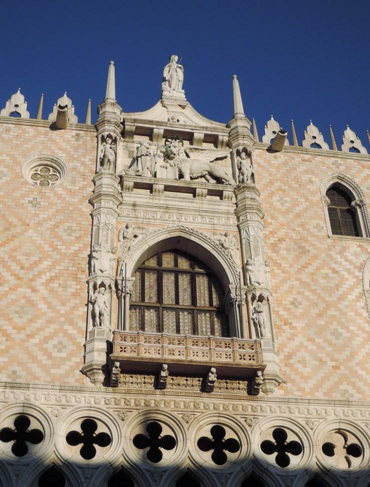 Balcony, piazzetta side - Palazzo Ducale facade