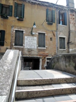 Venice Glossary: Tits Bridge in San Polo Sestiere