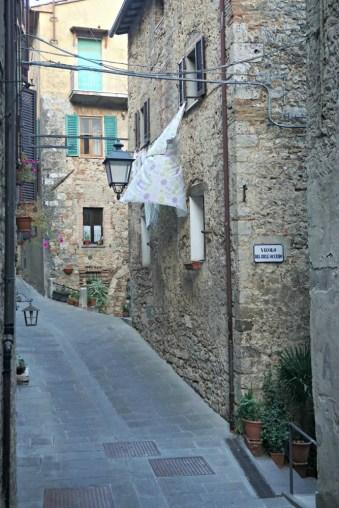 Hanging clothes, Sarteano