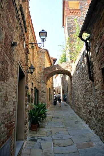 Exploring Lucignano