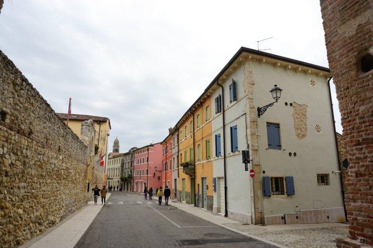Soave street